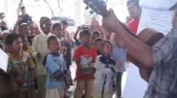 Kelas Anak Jalanan: 17an di Bantar Gebang